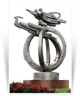 安徽天柱山风景区主题雕塑《孔雀东南飞》,是天柱山的标识性雕塑,该