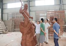 华派中国美院教授指导监狱系列雕塑